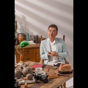 Bobby Chen (陳昇)