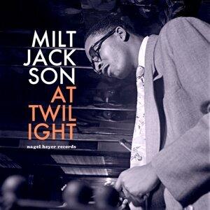 Milt Jackson (米爾傑克森)