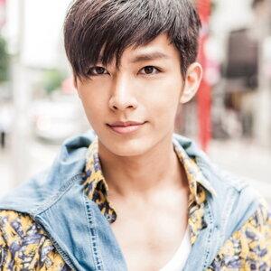 Aaron Yan (炎亞綸)