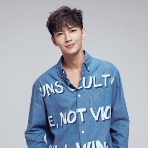 炎亞綸 (Aaron Yan) Artist photo