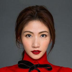 李千那 (Nana Lee)