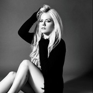 Avril Lavigne Artist photo