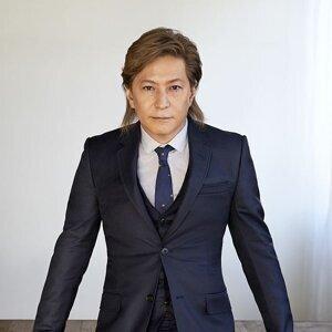 小室哲哉 (Tetsuya komuro)