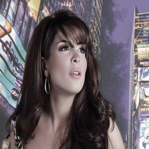 Nadine Saab 歌手頭像