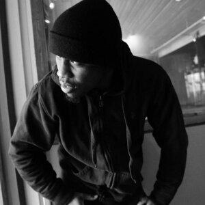 Martin Makeri Foto artis