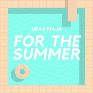 Ursa Maja Foto artis