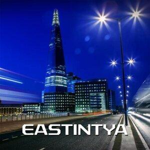 Eastintya Foto artis