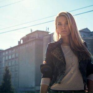 Zhaklina Foto artis