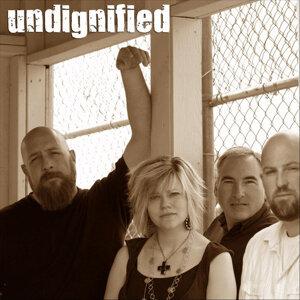 Undignified Foto artis