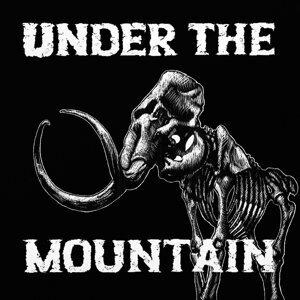 Under the Mountain Foto artis