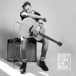Don't Poke The Bear Foto artis