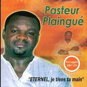 Pasteur Plaingué Foto artis