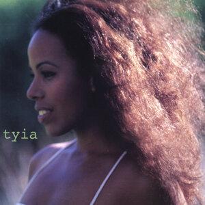 Tyia Foto artis