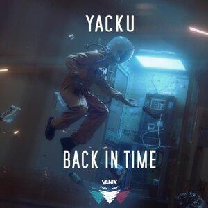 Yacku Foto artis
