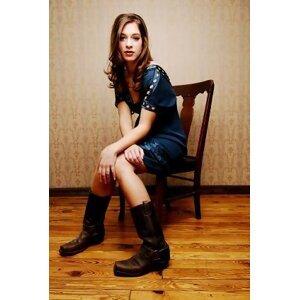 Maggie McClure 歌手頭像