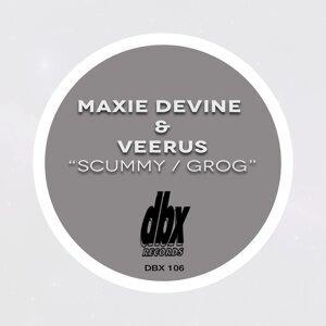 Maxie Devine, Veerus Foto artis