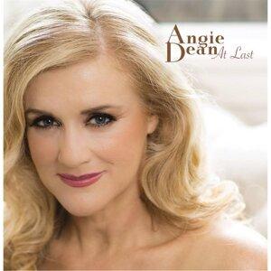 Angie Dean Foto artis