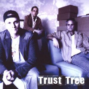 Trust Tree Foto artis