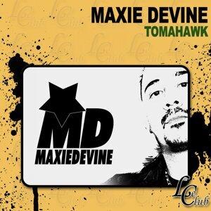 Maxie Devine Foto artis