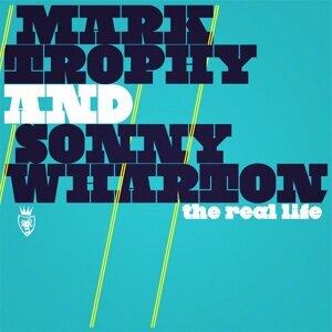 Mark Trophy, Sonny Wharton Foto artis