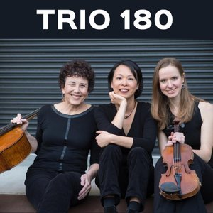 Trio 180 Foto artis