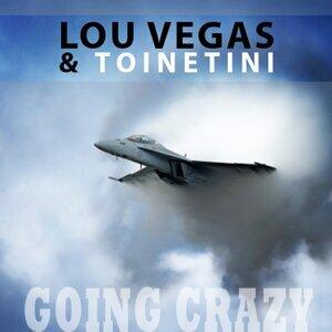Lou Vegas, Toinetini Foto artis