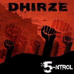 Dhirze Foto artis