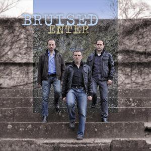 Bruised Foto artis