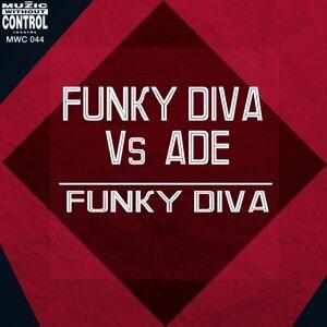 Funky Diva, Ade Foto artis