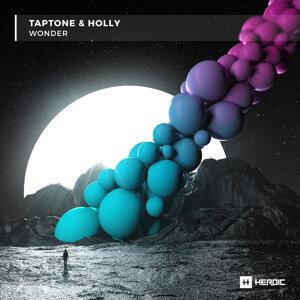 Taptone, Holly Foto artis