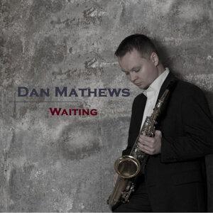 Dan Mathews Foto artis