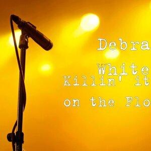 Debra White Foto artis