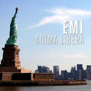 Emi Foto artis