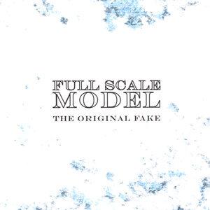 Full Scale Model Foto artis