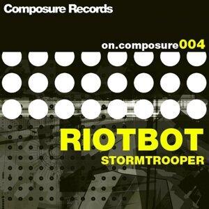 Riotbot Foto artis