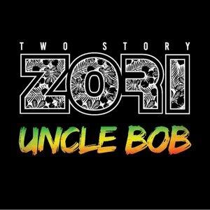 Two Story Zori Foto artis