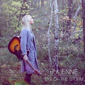 Julienne Foto artis