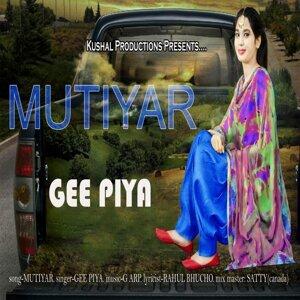 Gee Piya Foto artis
