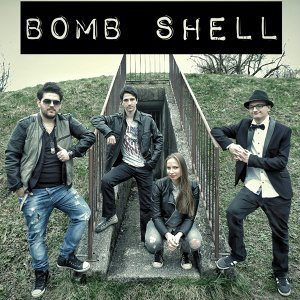 Bomb Shell Foto artis