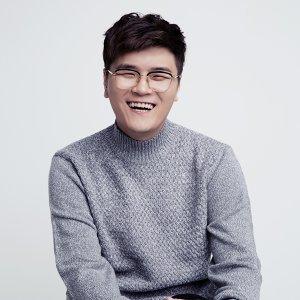 Shin Yong Jae (신용재)