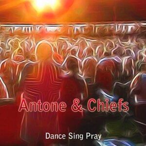 Antone & Chiefs Foto artis