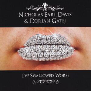 Nicholas Earl Davis, Dorian Gatej Foto artis