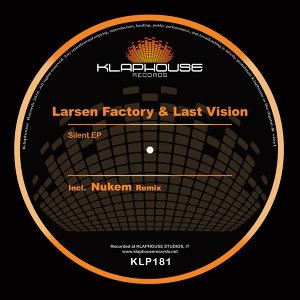 Larsen Factory, Last Vision Foto artis