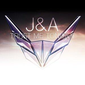 J & A Foto artis