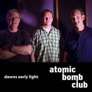 Atomic Bomb Club Foto artis