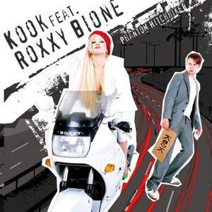 Kook, Roxxy Bione Foto artis