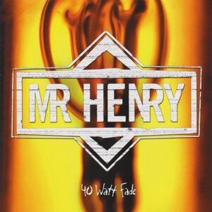 Mr. Henry Foto artis