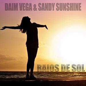 Daim Vega, Sandy Sunshine & Sandy Shunshine Foto artis