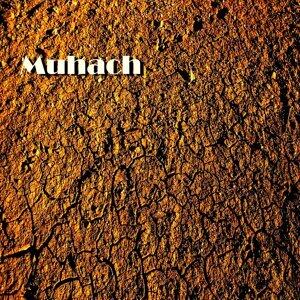 Muhach Foto artis