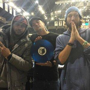 Big Zach, Muja Messiah, DJ Mad Mardigan Foto artis